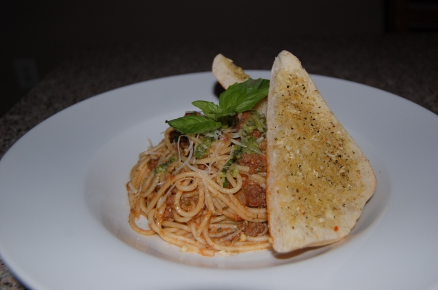 Tomato Pesto Spaghetti with Fresh Garlic Bread