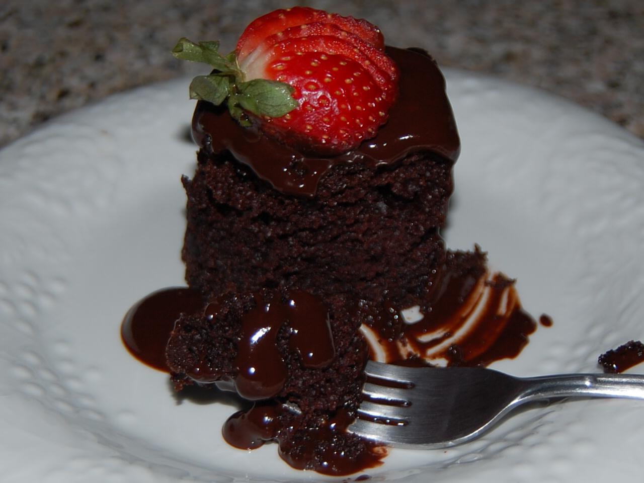 Double Chocolate Fudge Cake & Double Chocolate Cake with Chocolate ...