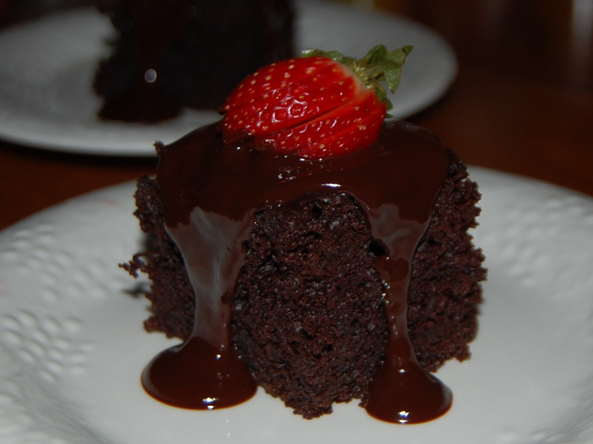 Double Chocolate Fudge Cake Amp Double Chocolate Cake With