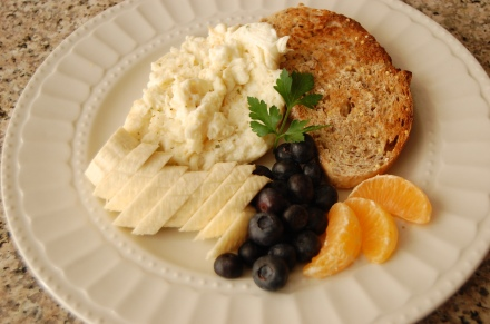 Herb Egg Whites Scramble with fruits and Unbuttered Multigrain Toast